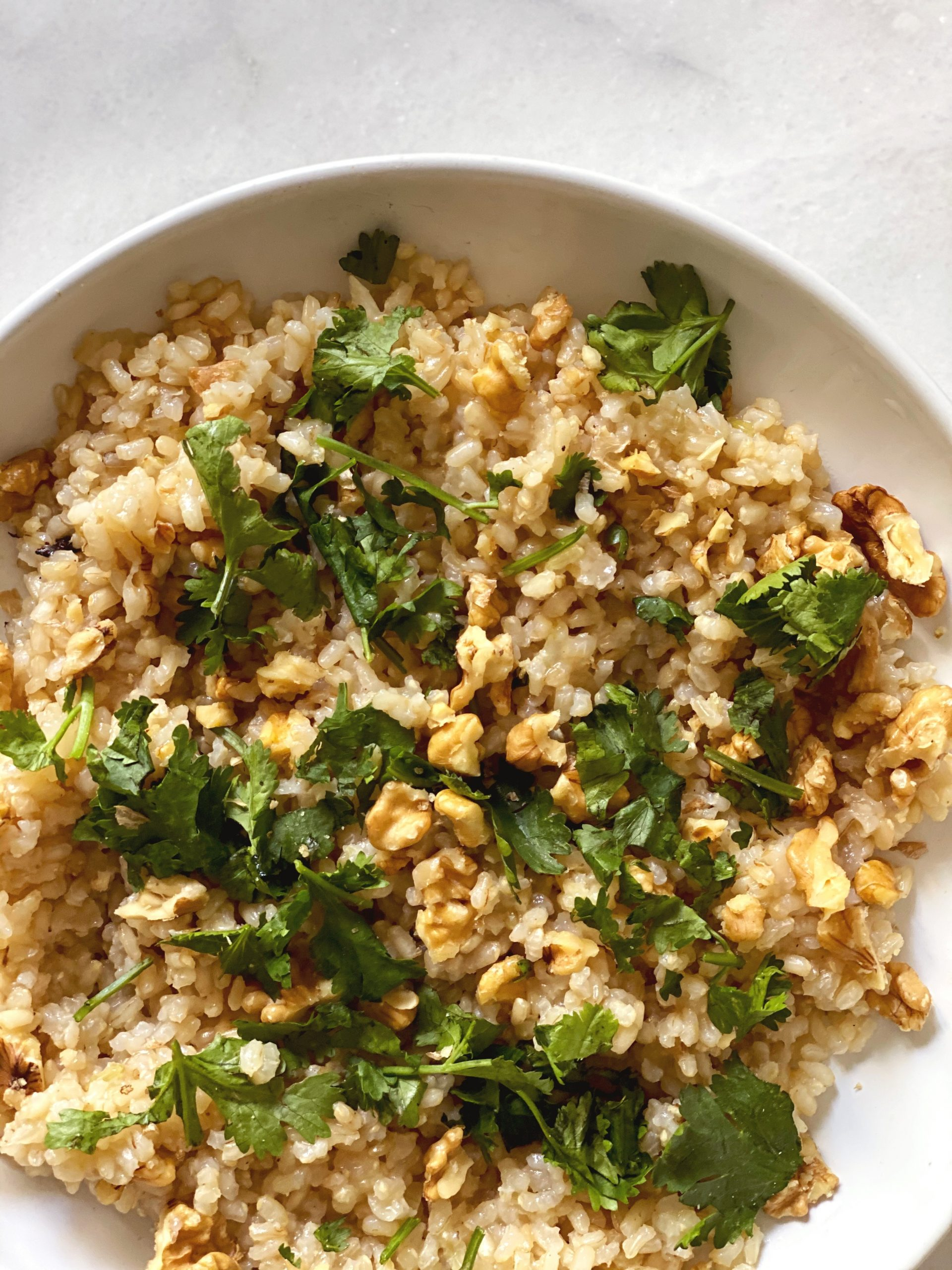 Arroz integral con nueces y cilantro